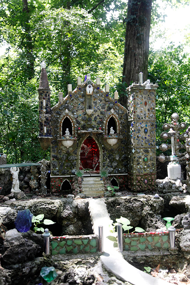 ave-maria-grotto-1