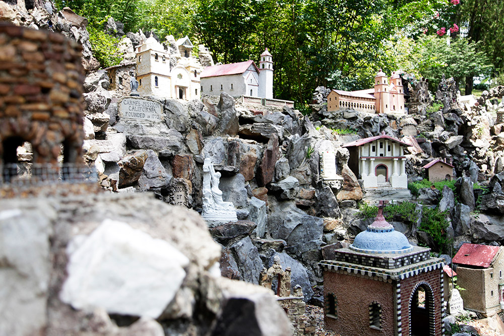 ave-maria-grotto-9